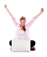 gap aupair_raising_arms_looking_at_laptop_ss