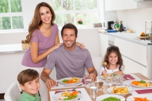 gap family_of_4_at_breakfast_table_ss